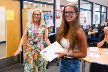 ALevelResultsDay150819 036